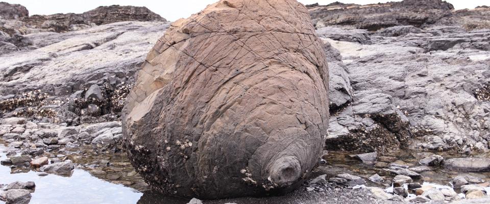 天草郡苓北町おっぱい岩